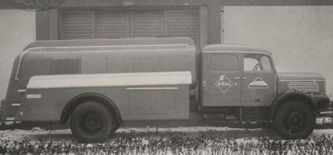 Erstes Tankfahrzeug der Firma Pöck